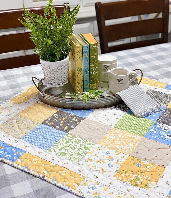 Around the Square Table Quilt Pattern