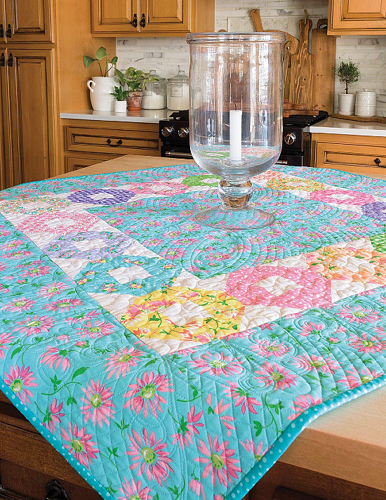 Moda All-Stars - Top the Table: 17 Quilt Patterns for Runners, Toppers, and More!