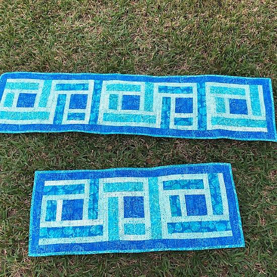 Log Cottage Runner Quilt Pattern
