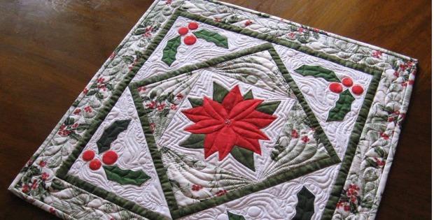 Poinsettia Table Topper Trio Pattern