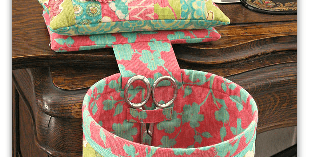Sew In Style Thread Catcher