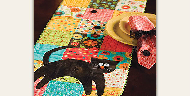 Black Cats & Spiders Runner and Napkins Pattern