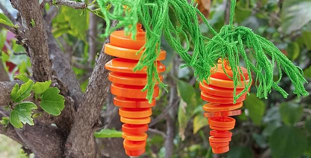 Button Carrot Ornament Tutorial